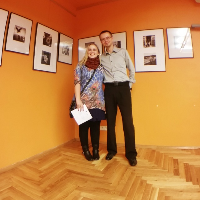 Autorka článku s organizátorem výstavy Michalem Koralewskim, foto od Krzysztofa Górnyho