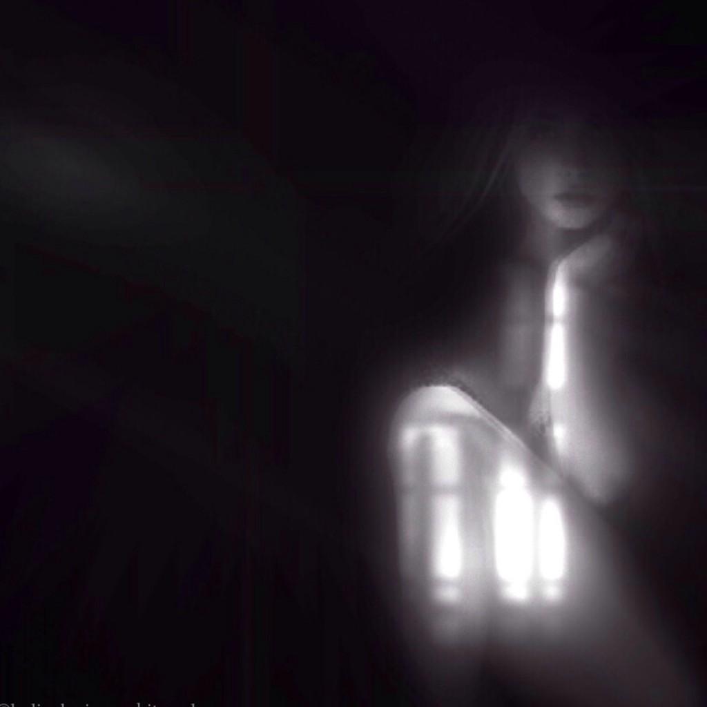 lydia noir 12
