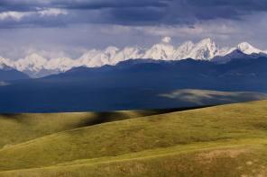 Kyrgyzstán – země vysokých hor a divokých koní!