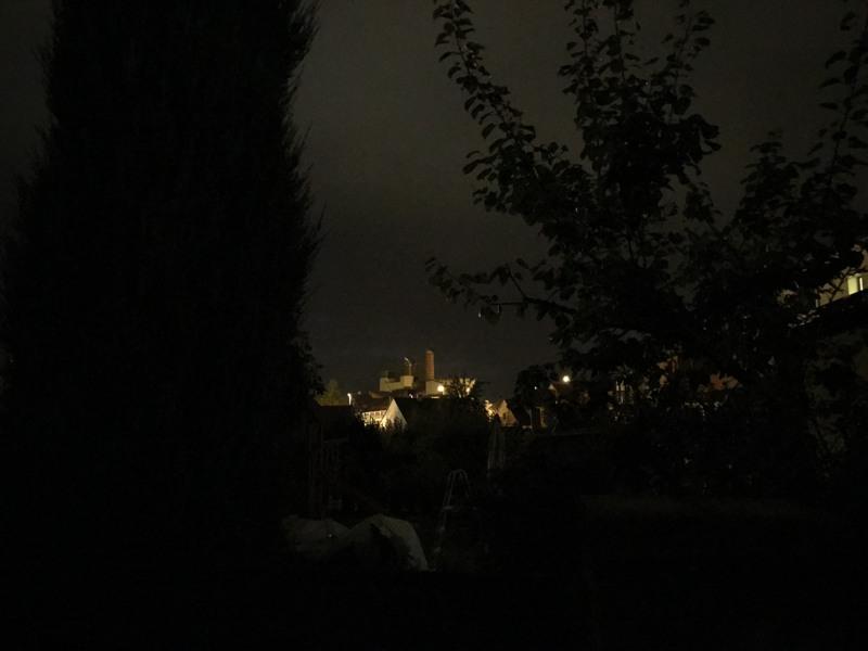 Ukázkové noční snímky bez přisvětlení.
